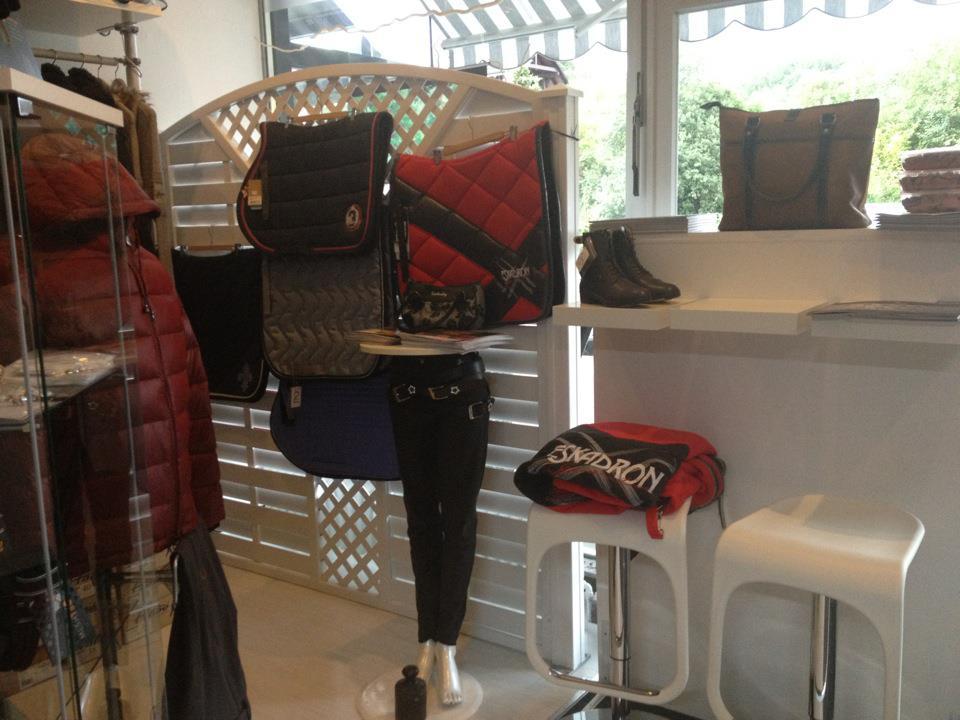 ride & style - Herbst- und Winterkollektionen 2012 - Pikeur, Eskadron, HV Polo und Co.